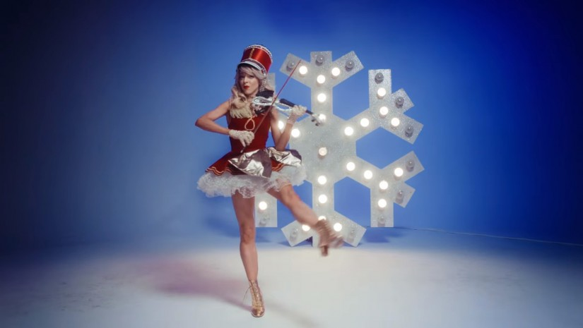 Lindsey Stirling feat. Becky G — Christmas C'mon, новый клип
