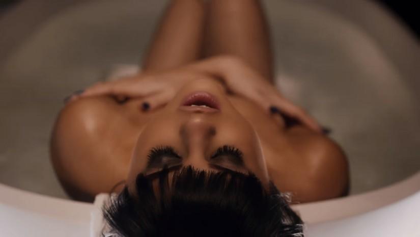 Новый клип Селены Гомес (Selena Gomez) - Hands to Myself