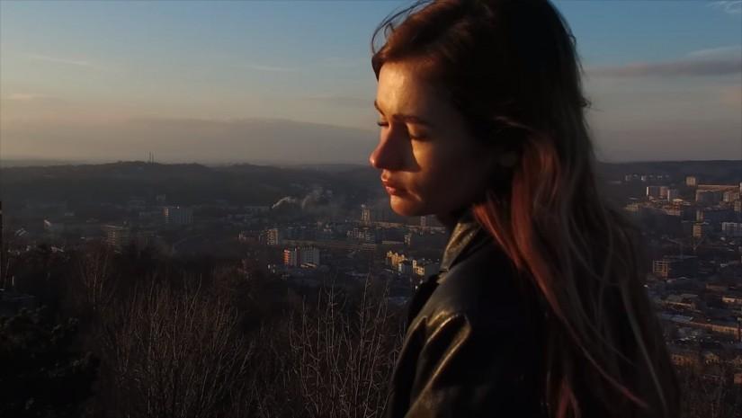 Луна — Поцелуи, новый клип
