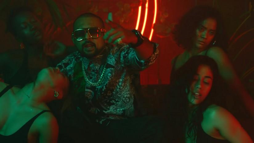 Sean Paul, David Guetta ft. Becky G — Mad Love, новый клип