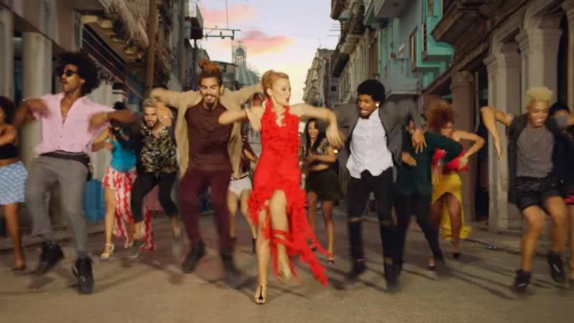 Kylie Minogue ft. Gente De Zona — Stop Me From Falling, новый клип