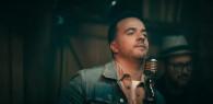 Luis Fonsi — Sola, новый клип