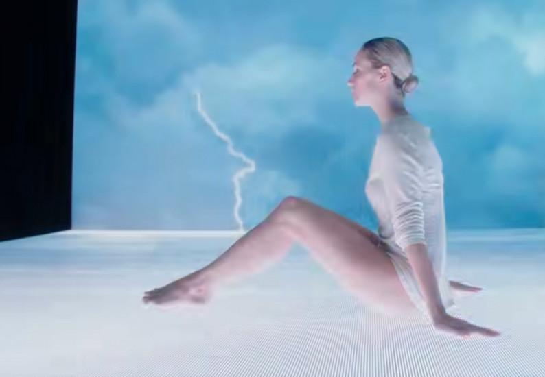 Полина Гагарина — Смотри, новый клип