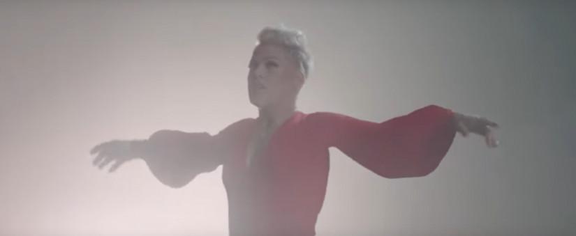 P!nk — Walk Me Home, новый клип