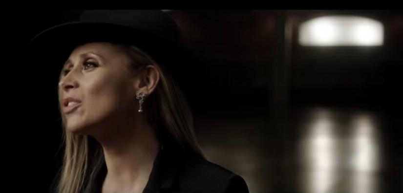 Lara Fabian — PAR AMOUR, новый клип