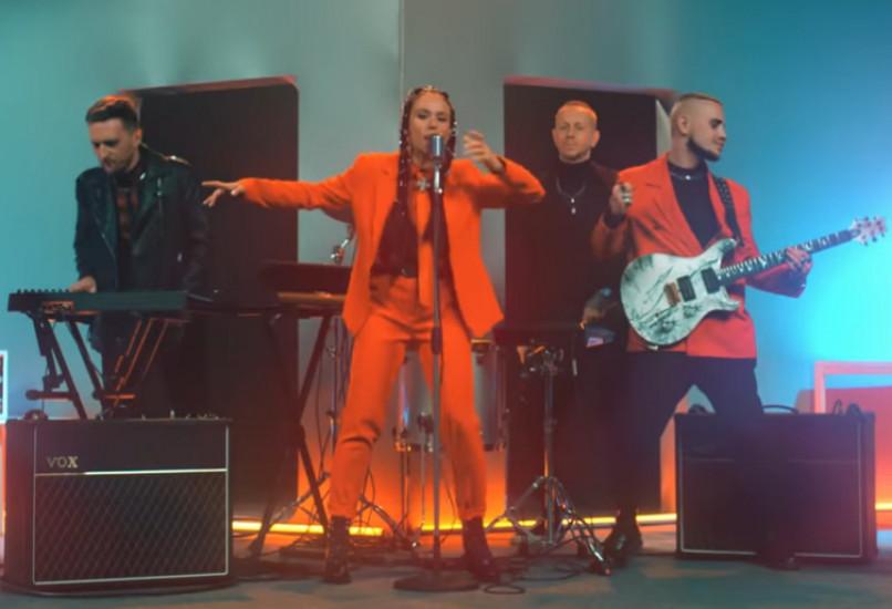 IOWA — В танце, новый клип