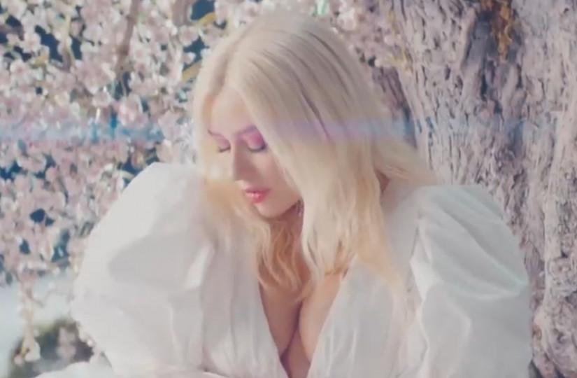 Christina Aguilera and A Great Big World — Fall On Me, новый клип